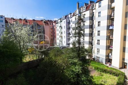 Prodej bytu 3+1, OV, 102m2, ul. Eliášova 485/43, Praha 6 - Bubeneč
