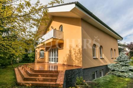 Prodej rodinného domu 7+kk/2xG, OV, 261m2, Trnová u Jíloviště 52, Praha - západ