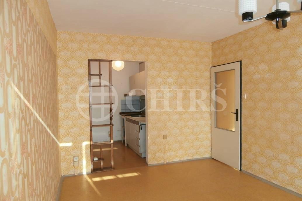 Prodej bytu 2+kk, OV, 42m2, ul. Machuldova 592/2, P-4  Kamýk