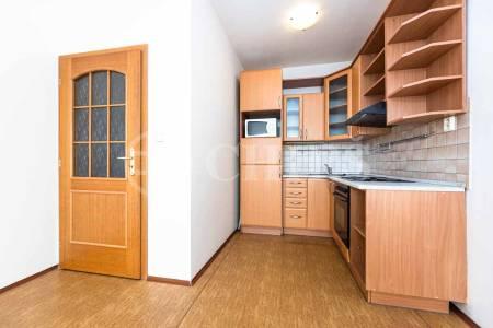 Pronájem bytu 2+kk s balkonem, OV, 51m2, ul. Trnkovo náměstí 1112/1, Praha 5 - Barrandov
