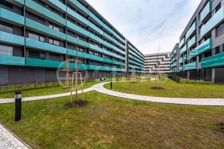 Prodej bytu 2+kk s balkonem, OV, 51m2, ul. U Průhonu 1624/1a, Praha 7 - Holešovice