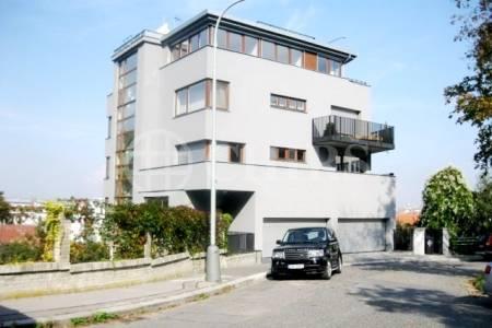 Pronájem bytu 3+kk/B/T/GS, OV, 129m2, ul. Na Doubkové 3240/5a, Praha 5 - Smíchov