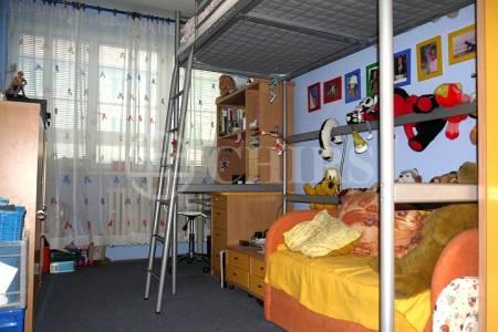 Pronájem bytu 3+1, OV, 69m2, ul. Banskobystrická 2083/5, Praha 6, Dejvice