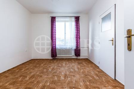Pronájem bytu 2+1, OV, 53m2, ul. Bělocerkevská 1304/32, Praha 10 - Vršovice