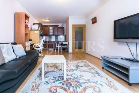 Prodej bytu 2+kk s lodžií a garážovým stáním, OV, 57m2, ul. Sazovická 454/11, Praha 5 - Zličín