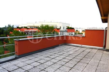 Prodej RD 7+2xkk/T/G, OV, 298m2, ul. Klausova 1430/36, Praha 5 - Stodůlky