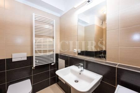 Prodej bytu 1+kk s balkonem, OV, 32m2, ul. Makedonská 629/4, Praha 9 - Střížkov