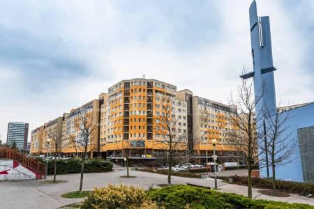 Prodej bytu 2+kk s lodžií, OV, 46m2, ul. V Hůrkách 2145, Praha 5 - Stodůlky