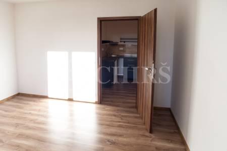 Pronájem bytu 1+kk, OV, 35m2, ul. Na Radosti 109/28, Praha 5 - Zličín