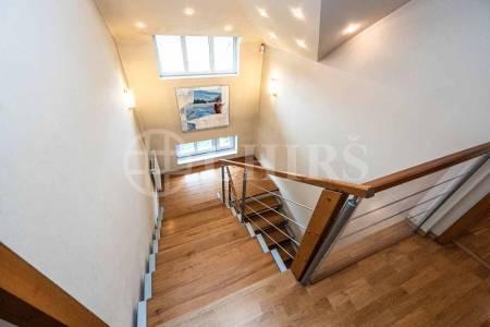 Prodej rodinného domu 7+1, OV, 310m2, ul. Statenice, Praha - západ
