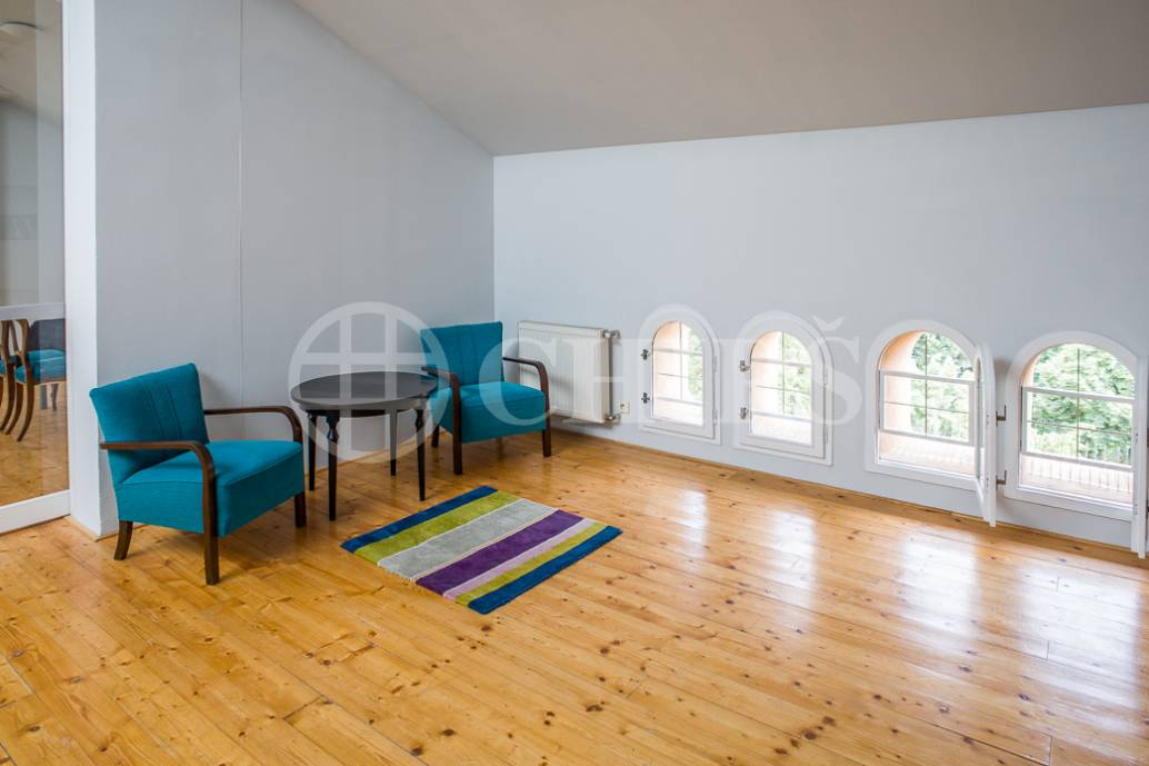 Prodej exkluzivního loftového bytu 160 m2, v historickém jádru Prahy