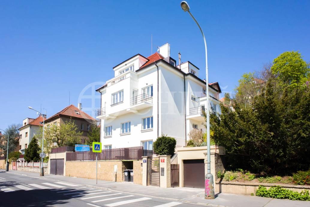 Pronájem bytu 3+kk/3xB s garážovým stáním, 94m2, OV, Branická 904/157, Praha 4