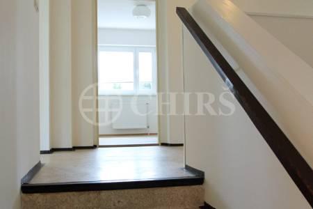 Prodej rodinného domu 5+1/T/L, 200 m2, ul. Obvodová 860/37, Praha 9 - Prosek