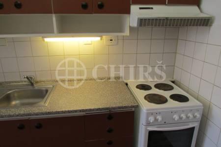 Pronájem bytu 2+kk, DV, 45m2, ul. U Jezera 2042/12, Praha 13 - Luka