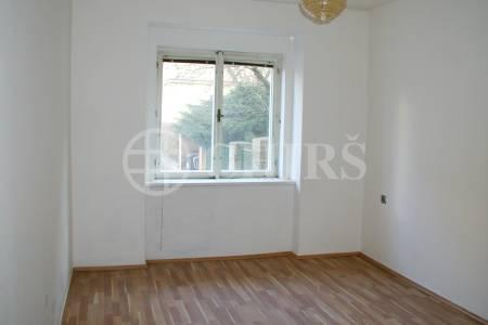 Prodej bytu 1+kk, OV, 23m2, ul. Nad Kajetánkou 1445/29, Praha 6 - Břevnov