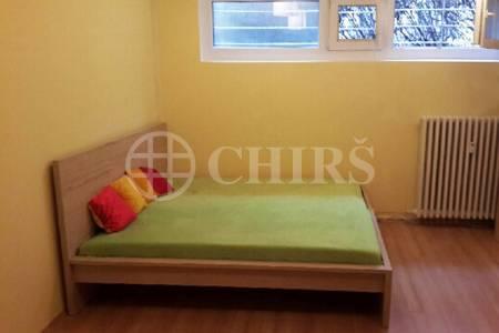 Prodej bytu 1+kk, OV, 28m2, ul. Renoirova 653, Praha 5 - Barrandov