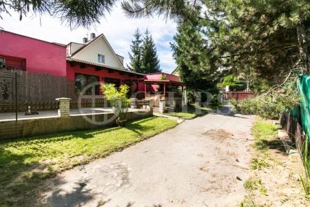Prodej stavebního pozemku, OV, 588m2, ul. Na Hvížďalce 1033/25, Praha 5 - Stodůlky