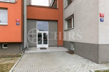 Prodej bytu 3+1 s lodžií, DV, 58m2, ul. Evropská 371/131, Praha 6 - Veleslavín
