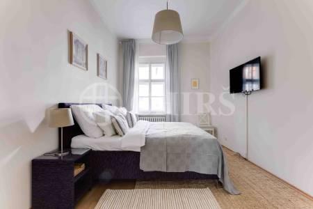 Pronájem bytu 2+1, OV, 75m2, ul. Petrská 1136/12, Praha 1 - Nové Město