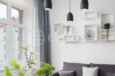 Prodej bytové jednotky 2+kk, OV, ul. Konšelská 1403/2, Praha 8