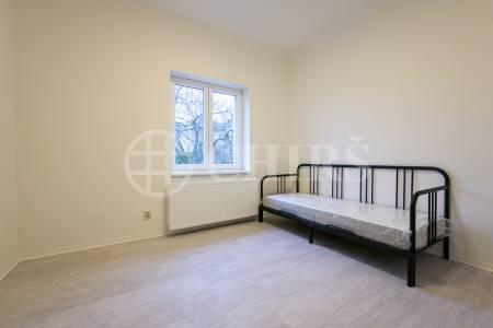 Pronájem bytu 3+kk/3xB, 85m2, OV, Branická 904/157, Praha 4
