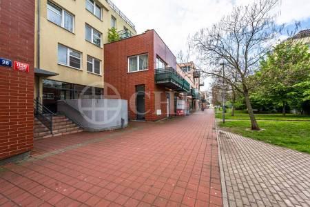 Pronájem bytu 2+kk s lodžií, OV, 46m2, ul. Voskovcova 1130/26, Praha 5 - Hlubočepy