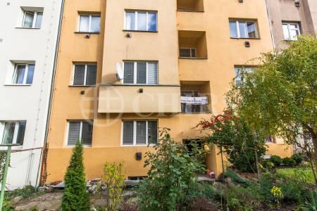 Prodej bytu 2+kk, OV, 40m2, ul. Nad Kajetánkou 1445/29, P-6 Břevnov