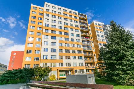 Prodej bytu 3+1/L, OV, 70m2, ul. Ciolkovského 853/1, Praha 6 - Ruzyně