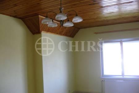 Pronájem částečně zařízeného bytu 2+1, ul. Na Malovance 723/8, P6 - Střešovice