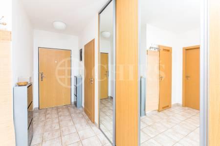 Pronájem bytu 3+kk s terasou a garážovým stáním, OV, 87m2, ul. Melodická 1380/5, Praha 13 - Hůrka