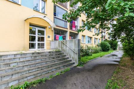 Prodej bytu 3+kk s lodžií, DV, 63m2, ul. Mendelova 556/7, Praha 4 - Háje