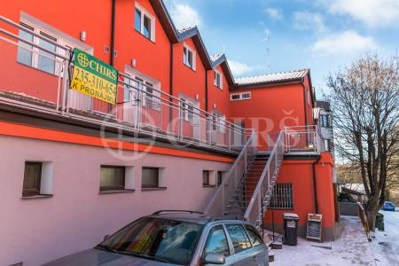 Pronájem bytu 4+kk, OV, 80m2, ul Čimická 18/141, Praha 8 - Čimice