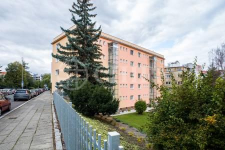 Prodej bytu 3+kk, OV, 79m2, ul. Kolátorova 1624/12, P-6 Břevnov