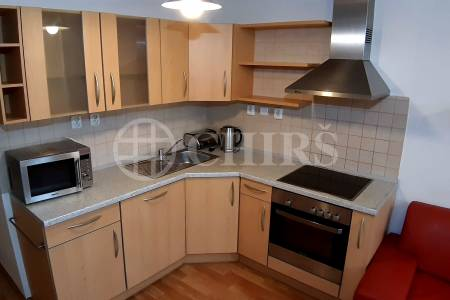 Pronájem bytu 1+kk, 35m2, ul.Herlíkovická 1021/12, Praha 19 - Kbely