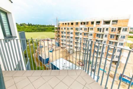 Pronájem bytu 2+kk se dvěma balkony a garážovým stáním, OV, 55m2, ul. Hugo Haase 1229/3, Praha 5 - Hlubočepy