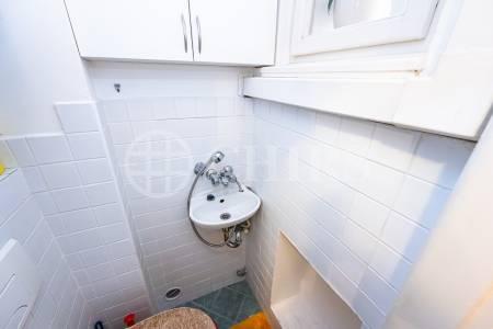 Prodej bytu 2+kk, OV, 57 m2 ul. Osadní 46/39 P-7 Holešovice.