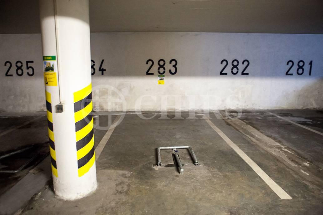 Pronájem garážového stání, OV, 15m2, ul. Volutová 2520/10, Praha 5 - Stodůlky