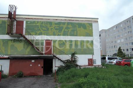 Pronájem garáže, OV, 21m2, ul. Pavrovského 2582, Praha 13 - Velká Ohrada