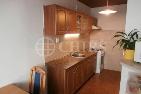 Prodej bytu 3+1/L,DV, 80m2, ul. Lessnerova 263,P -10, Petrovice