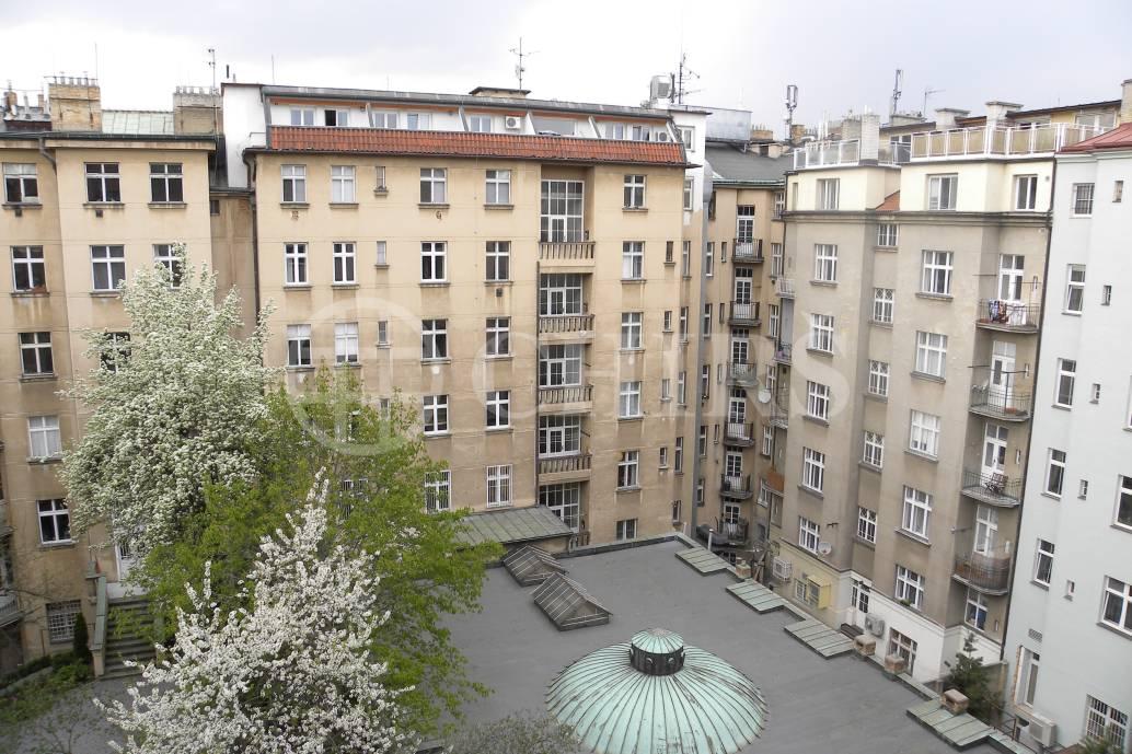 Prodej bytu 3+1, OV, 90 m2, ul. Na hutích 581/1, Praha 6 - Dejvice