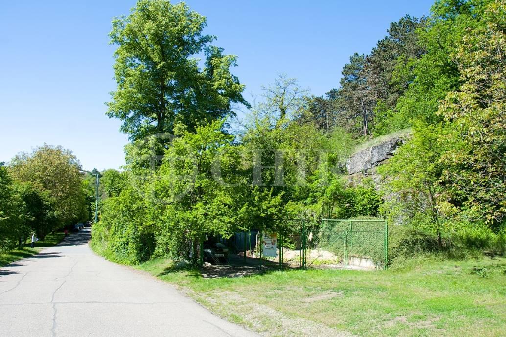 Prodej stavebního pozemku, OV, 1422m2, ul. K Nové Vsi 380, Praha 5 - Jinonice