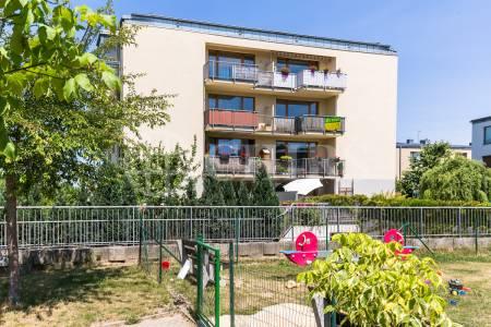 Prodej bytu 3+kk, OV, 70m2, ul. Věstonická 433/3, Praha 5 - Zličín