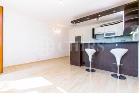 Prodej bytu 1+kk s balkonem, OV, 38m2, ul. Štěpařská 1131/14, Praha 5 - Hlubočepy