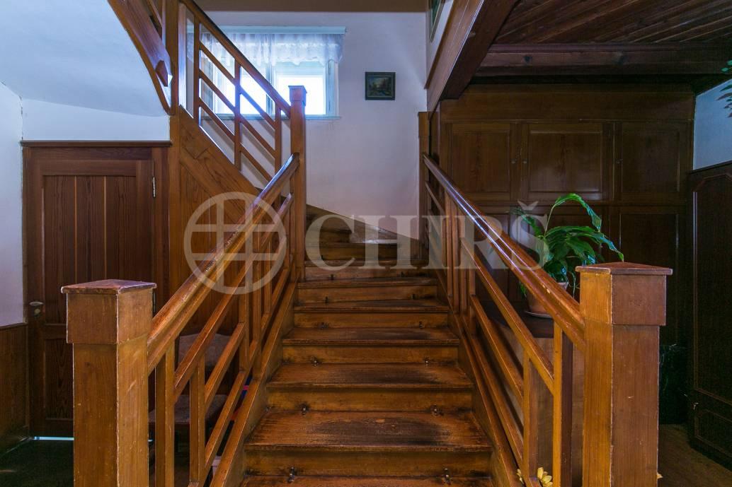 Prodej pozemku, OV, 1215m2, ul. Sestupná 184/17, Praha 6 - Liboc