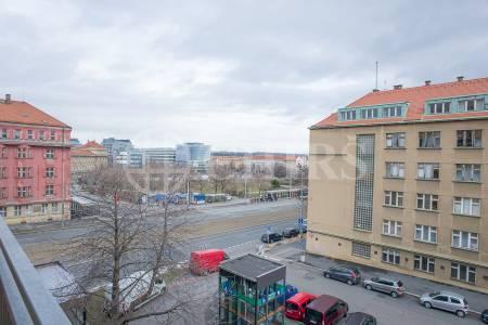 Pronájem bytu 3+kk/2xL, OV, 94m2, ul. Banskobystrická 2080/11, P-6 Dejvice