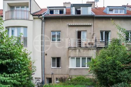 Prodej ŘRD 7+kk/B/G se zahradou v ulici Nad Zámečkem 29, Praha 5 - Košíře