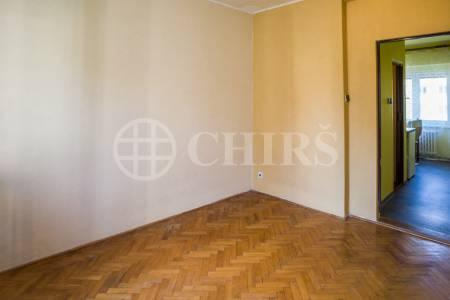 Pronájem nezařízeného bytu 1+1, 46 m2, ul. Na Petřinách, Praha 6