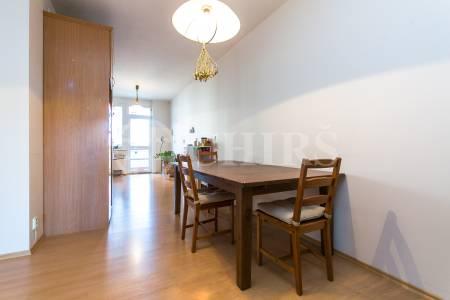 Pronájem bytu 3+1 se dvěma lodžiemi, OV, 105m2, ul. Štěpařská 1098/22, Praha 5 - Hlubočepy