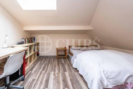 Prodej bytu 4+1 s terasou a garážovým stáním, DV, 82m2, ul. Jaroslava Foglara 1333/8, Praha 5 - Stodůlky