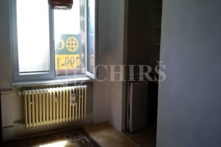 Pronájem částečně zařízeného bytu 1+kk, ul. Šumberova, Praha 6 - Veleslavín